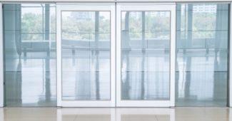 Steklena drsna vrata so idealna za razne pisarne in skupne prostore